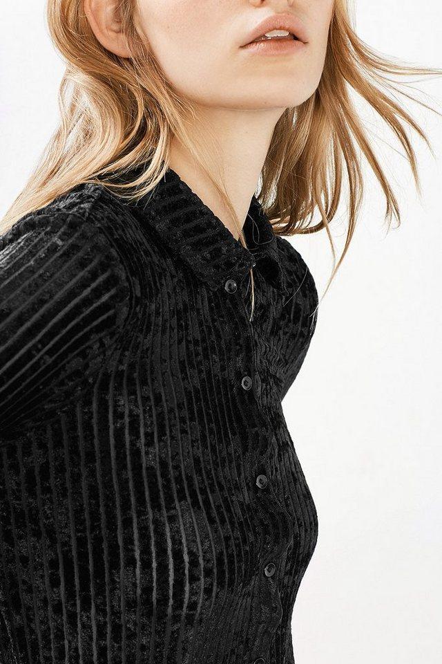 EDC Samtbluse mit Ausbrenner-Streifen in BLACK