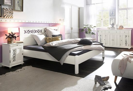 Premium collection by Home affaire Bett »Arabeske«, aus schönem massivem Buchenholz, mit dekorativen Fräsungen am Kopfteil