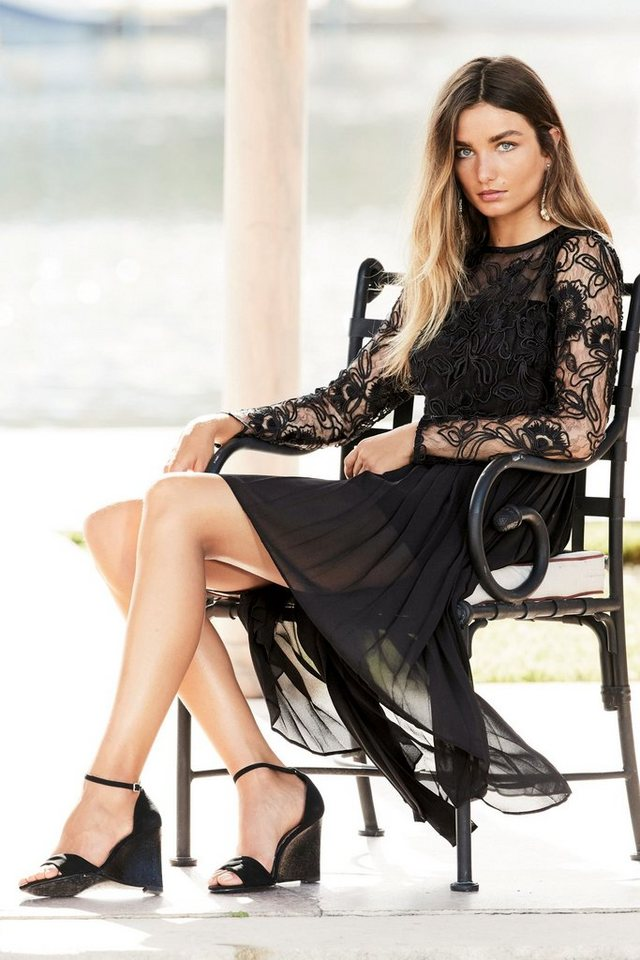 Next Kleid mit Faltendetails und asymmetrischem Saum in Black