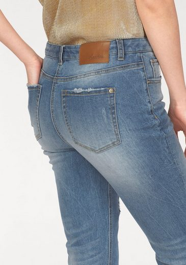 Aniston Boyfriend-Jeans, mit Destroyed-Effekten