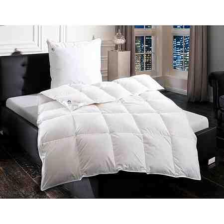 Daunendecken sind sehr voluminöse und bauschige Bettdecken und überzeugen mit einer sehr guten Wärmeregulierung.