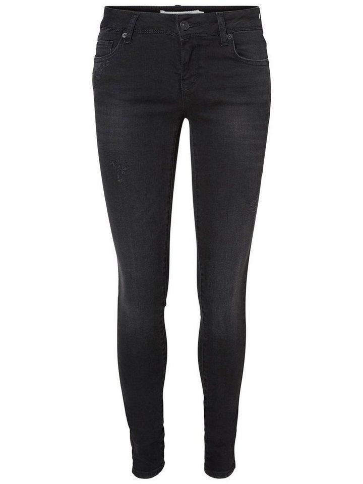 Vero Moda Skinny Fit Jeans in Black