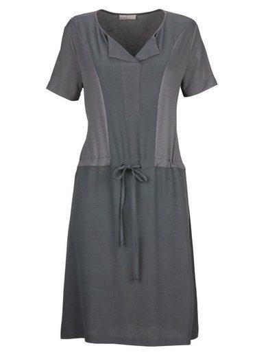 Mona Jerseykleid in modischem Materialmix