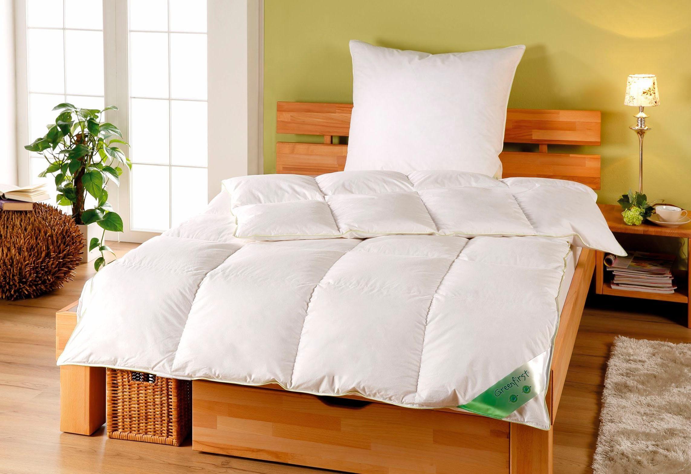 Daunenbettdecke, »Greenfirst«, KBT Bettwaren, warm, Füllung: 60% Daunen, 40% Federn, Bezug: 100% Baumwolle, (1-tlg)