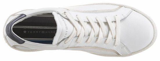 Tommy Hilfiger Sneaker, mit Metallic-Applikation