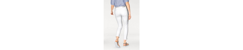 s.Oliver RED LABEL Ankle-Jeans, mit kleinen Seitenschlitzen
