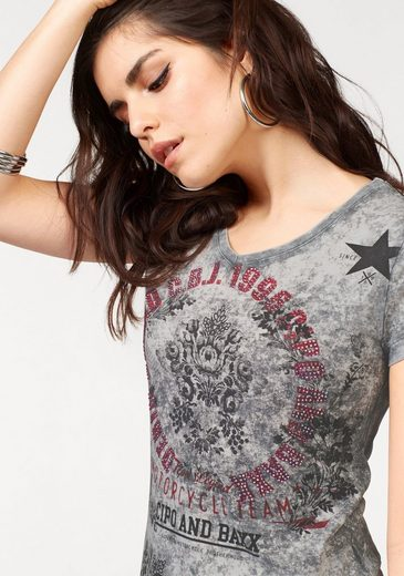 Cipo & Baxx V-shirt With Colorful Glittering Stones