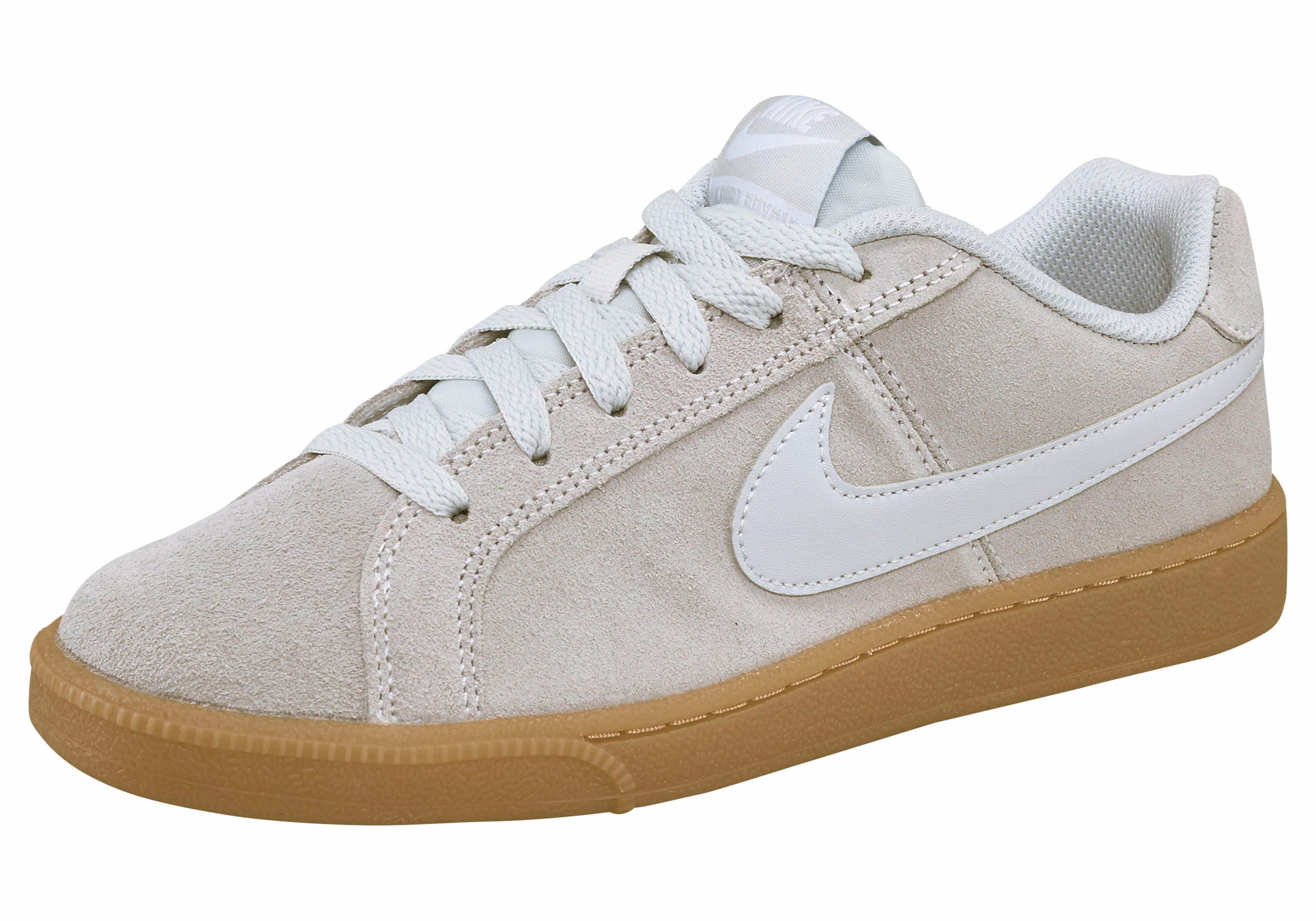Nike Sportswear »Wmns Court Royale Suede« Sneaker, Weiches Obermaterial aus Veloursleder online kaufen | OTTO