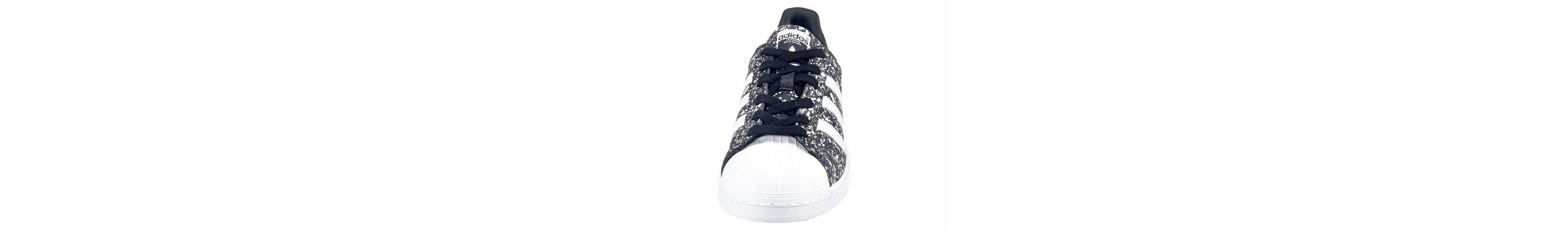 adidas Originals Superstar W Sneaker, Seasonal