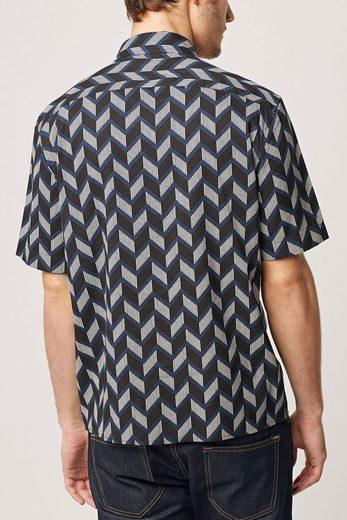 Next Kurzärmliges Hemd mit großem geometrischem Print