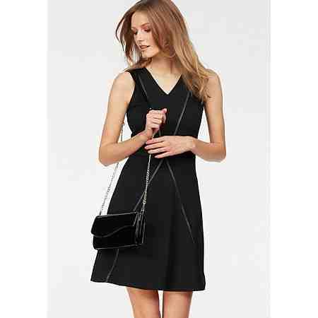 Bruno Banani A-Linien-Kleid, mit aufregendem PU-Besatz