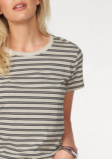 Levi's® T-Shirt Perfekct Tee, mit metallisierende Fäden