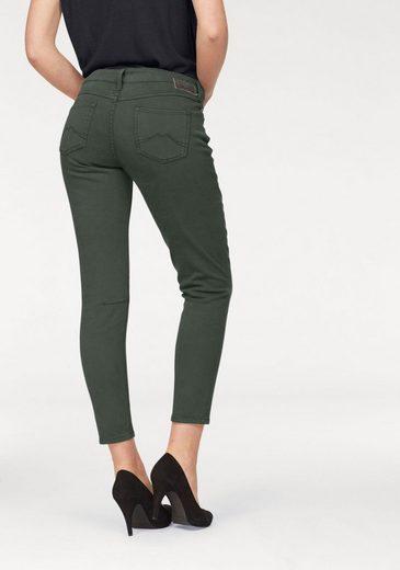 MUSTANG 7/8-Jeans »Jasmin Button« mit sichtbaren Knöpfen am Verschluss