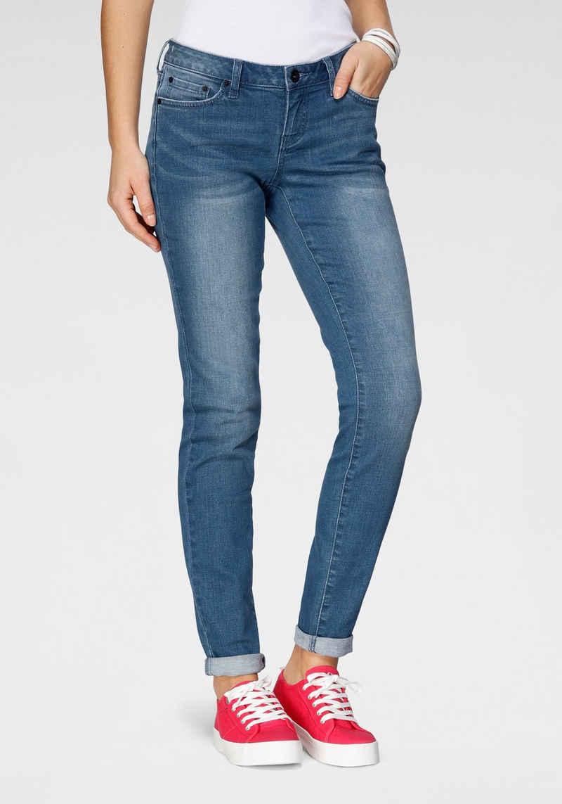 H.I.S Slim-fit-Jeans »low waist« Nachhaltige, wassersparende Produktion durch OZON WASH