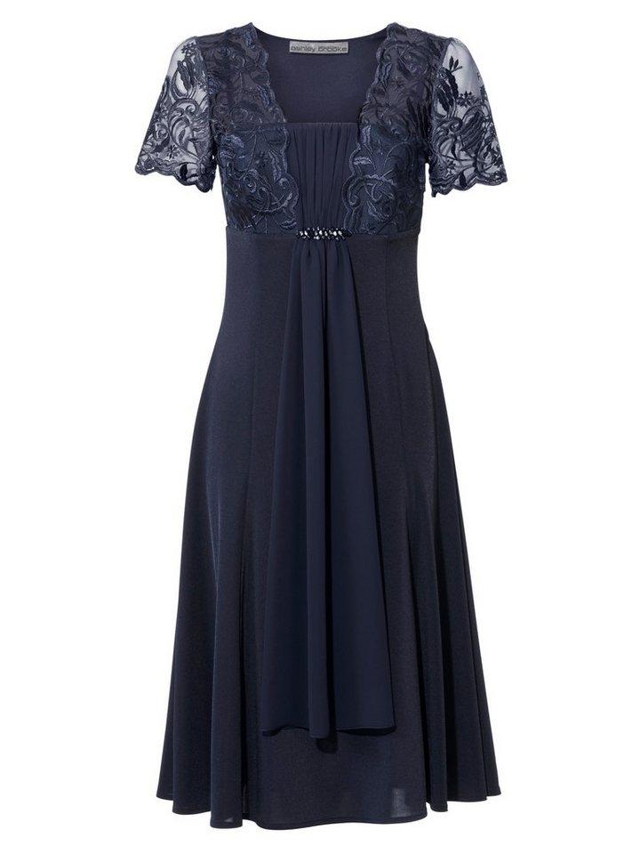 Kleid mit Spitzen