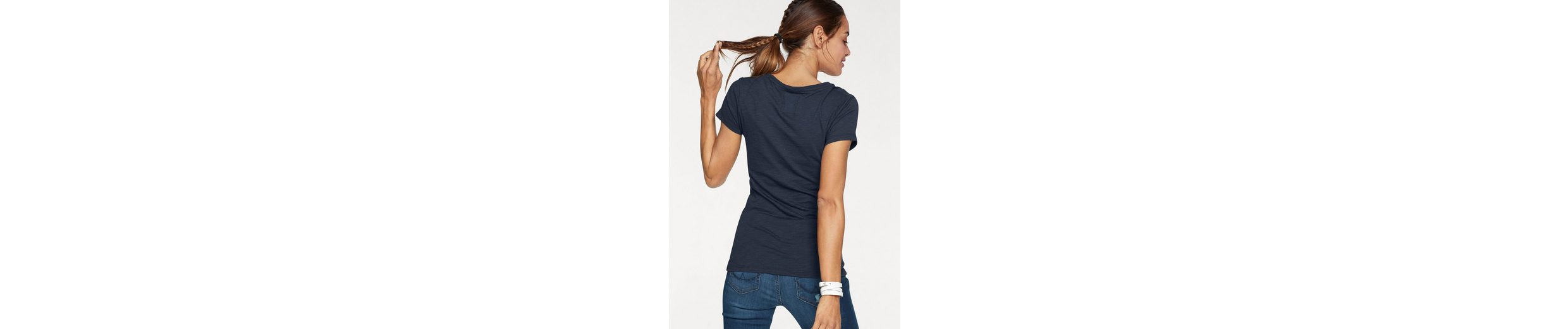 Superdry T-Shirt SUPER NO 6 PHOTO LONG LINE TEE, mit glitzerndem Frontprint