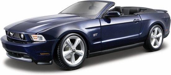 Maisto® Sammlerauto »Ford Mustang GT Cabrio10, 1:18, blau«, Maßstab 1:18, mit Lenkung und Federung