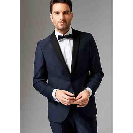 Mode: Herren: Anzüge
