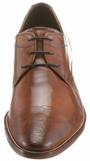 Daniel Hechter Lace Up, With Fashionable Logo Embossed On Cap And On The Heel