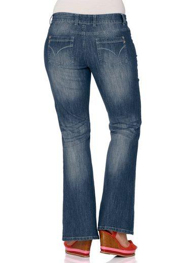 sheego Denim Bootcut-Jeans, Mit individuellen Used-Effekten
