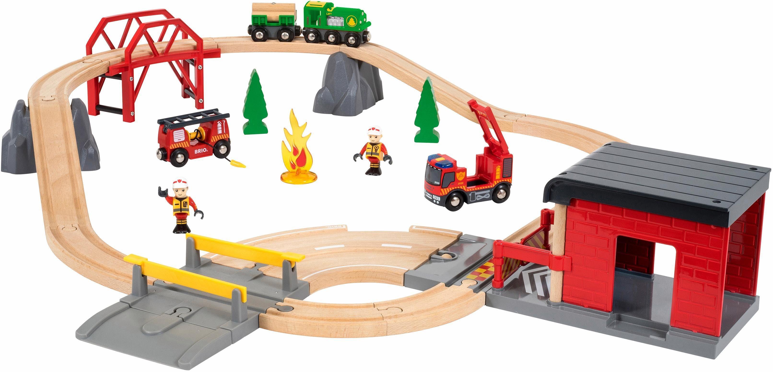 BRIO® Spielzeugeisenbahn mit Licht und Soundfunktion, »Brio WORLD Großes Feuerwehr Deluxe Set«