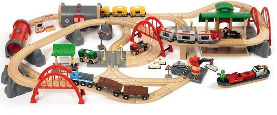 BRIO® Spielzeug-Eisenbahn »WORLD Straßen & Schienen Bahn Set Deluxe«, (Set)