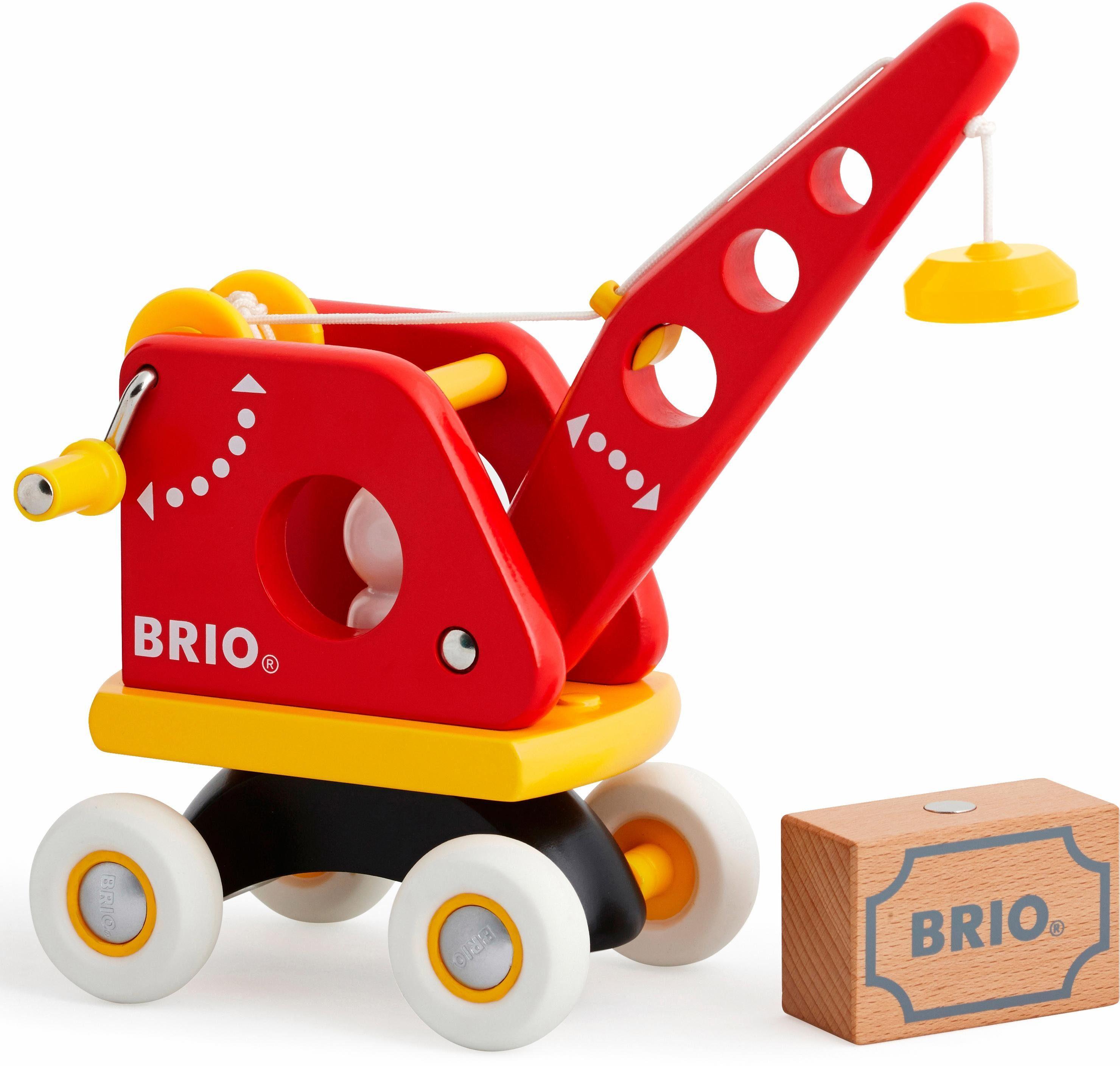 BRIO® Spielfahrzeug aus Holz, »Roter Kran mit Ladung«