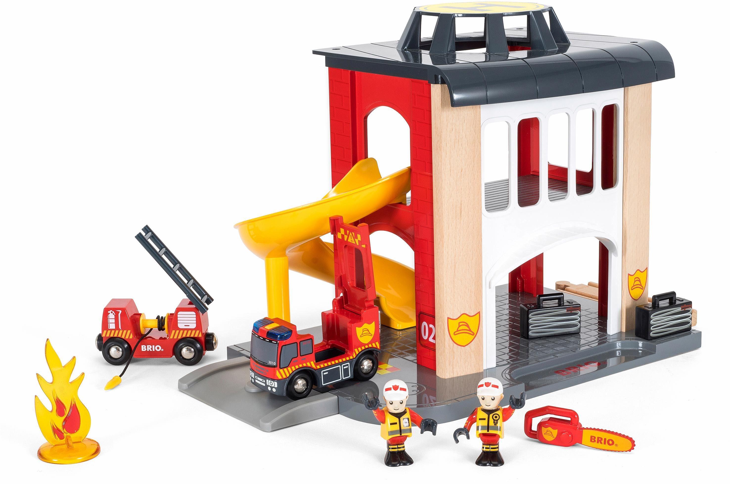 BRIO® Spielset mit Licht und Soundfunktion, »BRIO® WORLD Große Feuerwehrstation mit Einsatzfahrzeug«