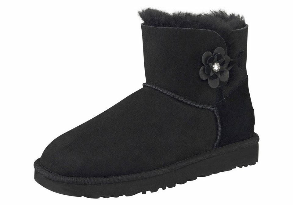ugg winterboots mit hochwertiger bl ten applikation online kaufen otto. Black Bedroom Furniture Sets. Home Design Ideas