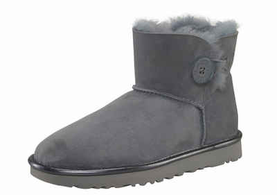 UGG »Bailey Button 2 Metallic« Winterboots, mit dekorativem Knopf und Metallic Detail, blau, hellblau