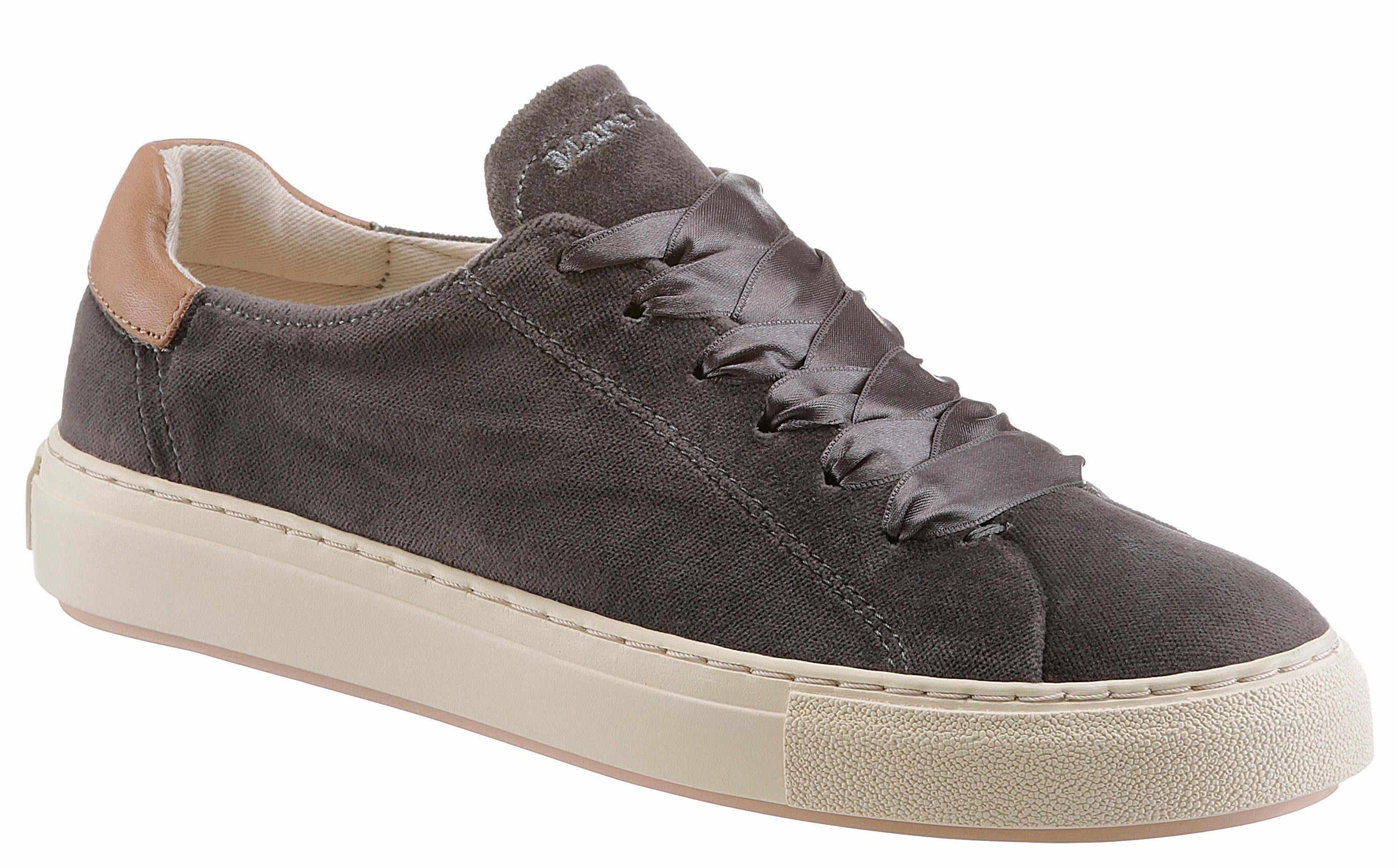 Marc O'Polo Sneaker, in trendiger Samtoptik, schwarz, schwarz