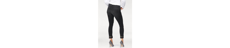 ROSNER 7/8-Jeans, im schmalen 5-Pocket Style mit Paillettenzierband