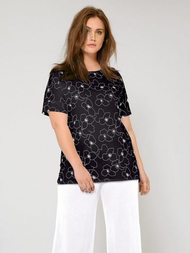 Janet und Joyce by Happy Size Shirt in Oversize-Form mit Blumen-Print