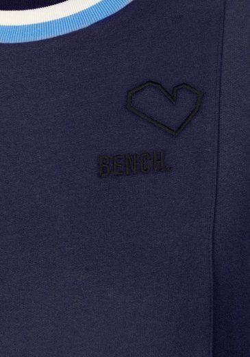 Bench Sweatkleid, mit gestreiftem Rippkragen