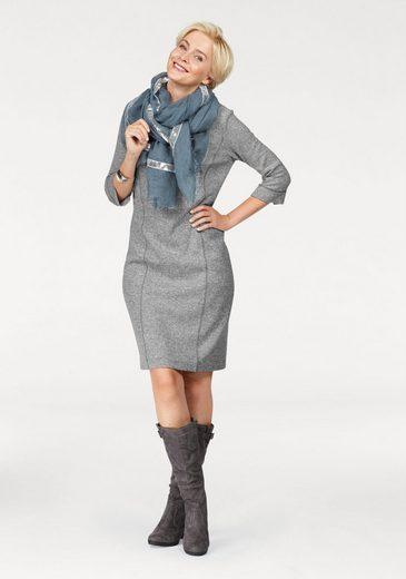 Bianca Robe En Tricot, Dans Le Style Vestimentaire
