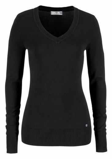 AJC V-Ausschnitt-Pullover, in schöner Basic-Form