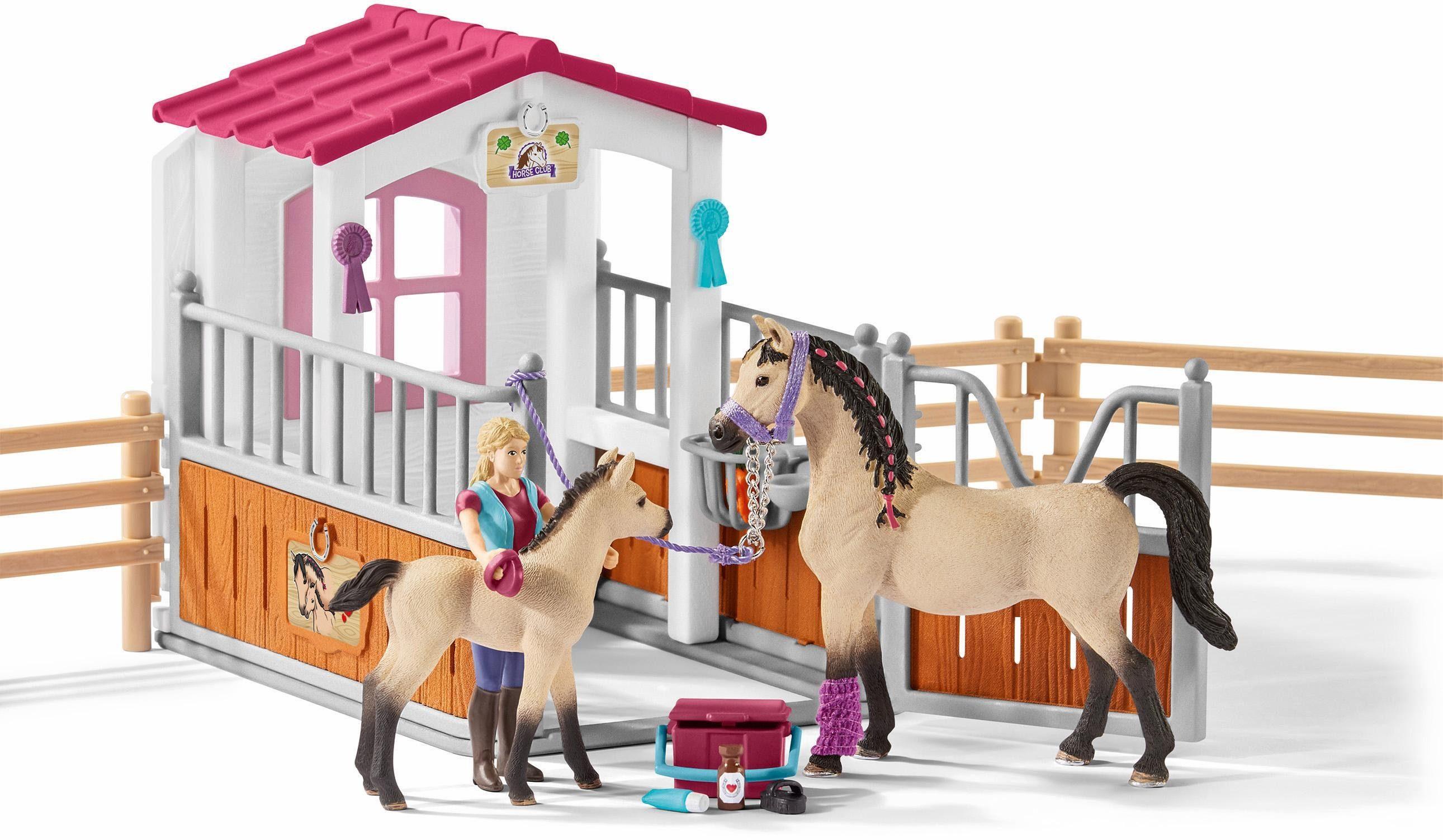 Schleich® Spielset (42369), »Horse Club, Pferdebox mit Arabern und Pferdepflegerin«