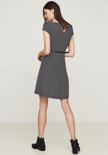 Vero Moda Jerseykleid VIGGA FLAIR (Set, mit Gürtel in Lederoptik)