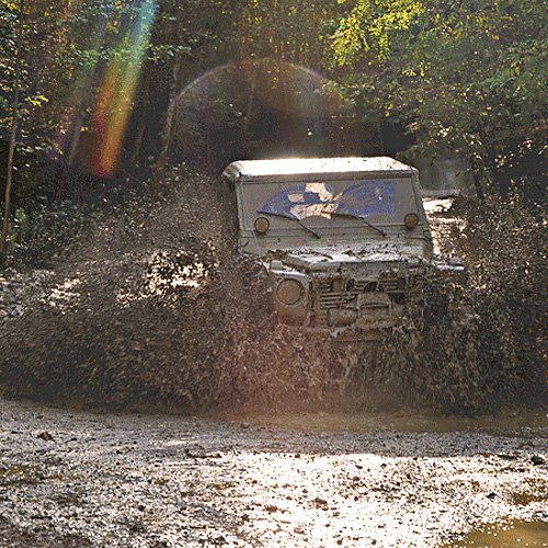 Offroad Challenge mit Mercedes-Benz G-Prototypen »Ampflwang«