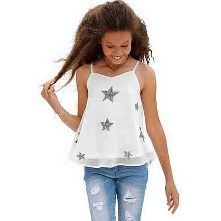 Zu den Shirts & Tops für Mädchen. Hier finden Sie die große Auswahl an Mädchenshirts, wie z.B. bedruckte T-Shirts, Langarmshirts, Shirts mit Fledermausärmeln oder aber auch Basic Shirts und Tops.