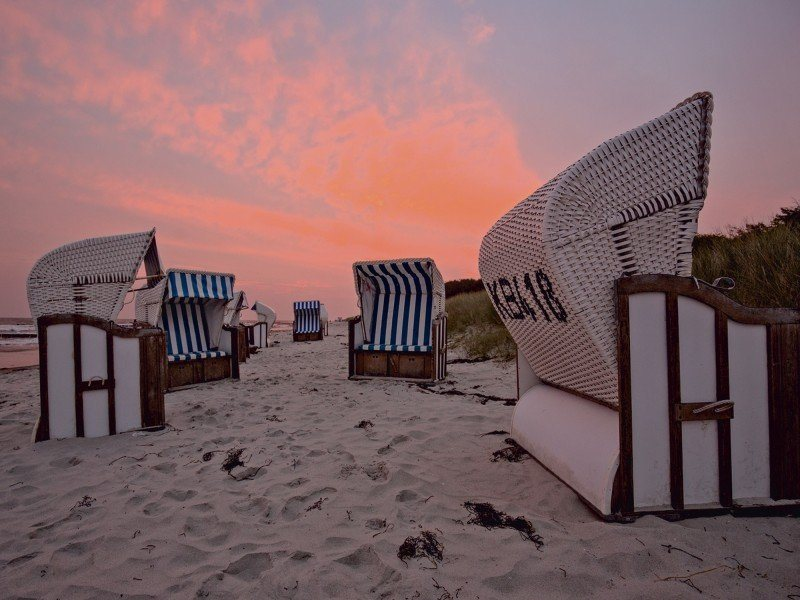 artland poster oder leinwandbild korb sand strand. Black Bedroom Furniture Sets. Home Design Ideas