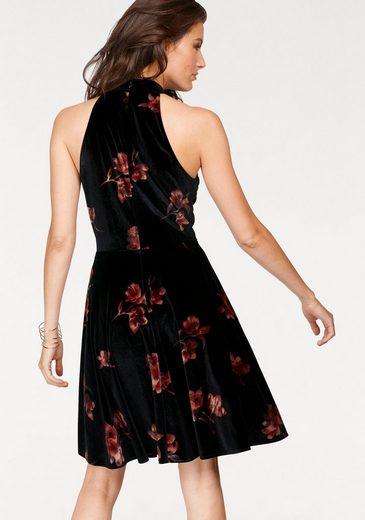 Aniston Samtkleid, mit Cut-out-Ausschnitt