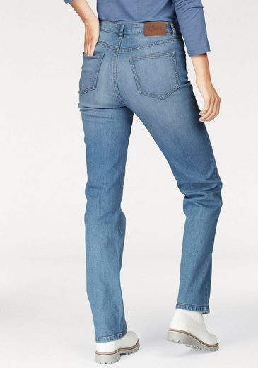 Cheer Straight Jeans, With Figure-friendly Dividing Seams
