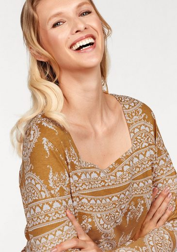 Cheer Langarmshirt, With Fashionable Karree Neckline