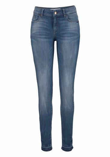 Q/S designed by Skinny-fit-Jeans, mit Used-Effekten