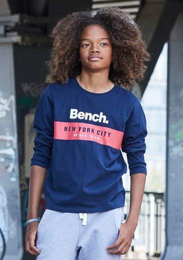 Bench. Langarmshirt »mit Logodruck«