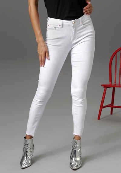 Aniston CASUAL Skinny-fit-Jeans regular waist - mit ausgefransten Beinabschluss - NEUE KOLLEKTION