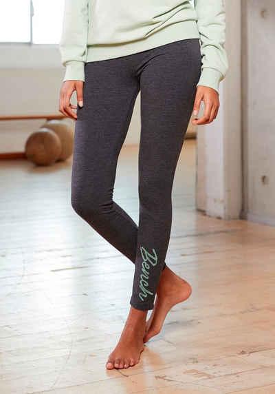 Bench. Leggings mit Logo Stickerei auf dem Bein