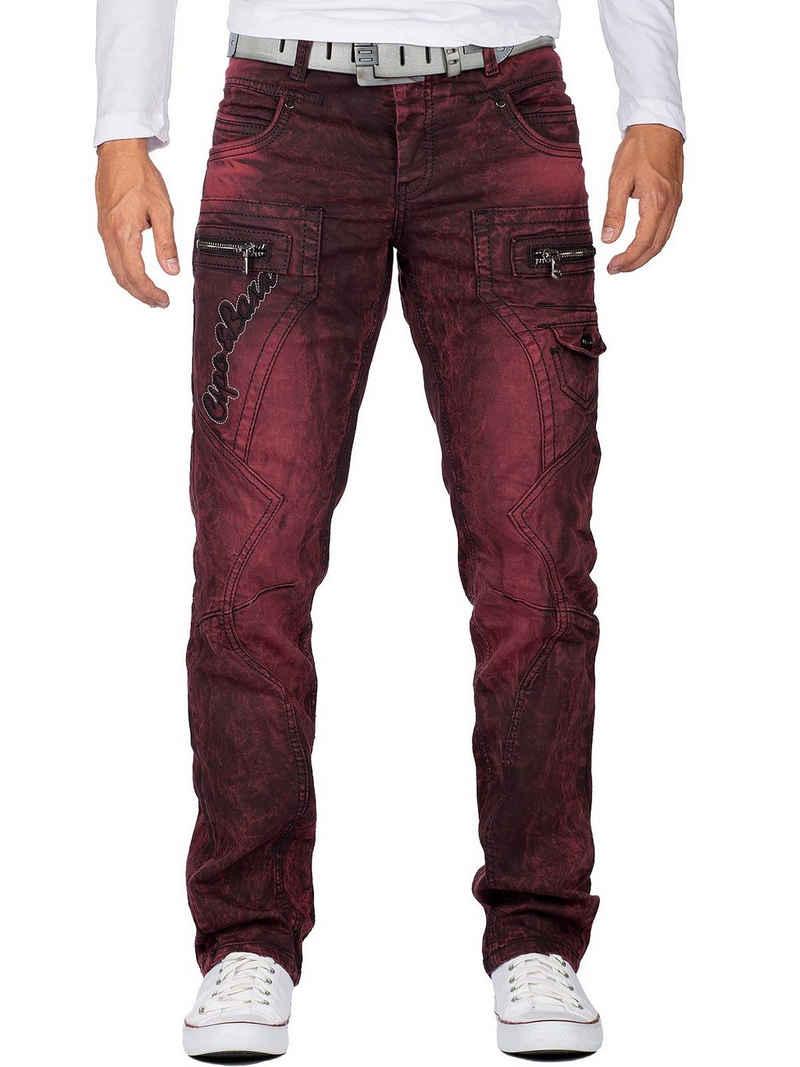 """Cipo & Baxx 5-Pocket-Jeans »BA-CD296 Jeans Hose mit Schriftzügen und zusätlich« Jeans Hose mit """"Cipo & Baxx"""" Schriftzügen, schwarzen Kontrastnähten und zusätzlichen Reißverschlüssen"""