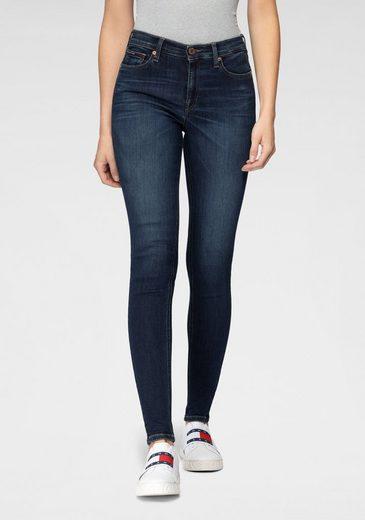 TOMMY JEANS Skinny-fit-Jeans »NORA MR SKNY DYNRDB« mit Tommy Jeans Logo-Badge & den typischen Tommy Streifen